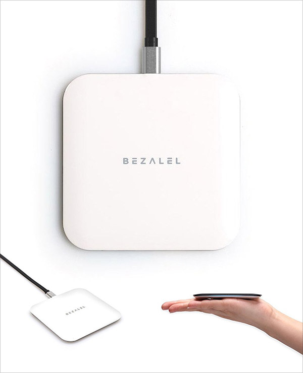 BEZALEL-Futura-X-Thinnest-Qi-Wireless-Charger-Charging-Pad-for-All-Qi-enabled-Smartphone-iPhone-8-8-Plus-X-2