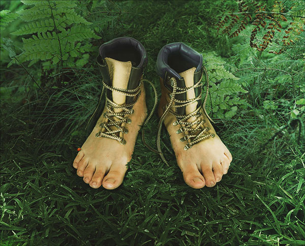 Realistic-Feet-Inspired-Hiking-Boots-in-Adobe-Photoshop
