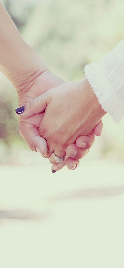 holding-hands-iPhone-X-Wallpaper