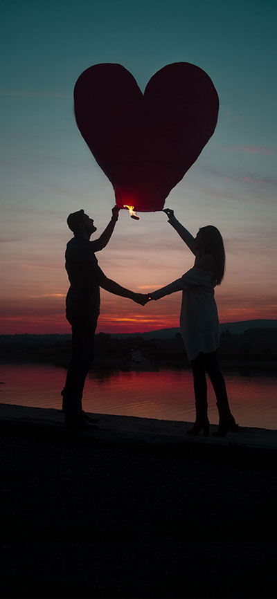 love-couple-iPhone-X-Wallpaper
