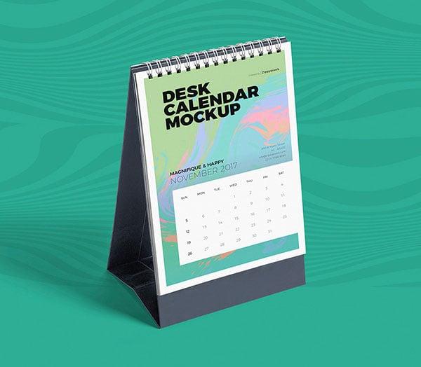 Free-Desk-Calendar-Mockup-PSD