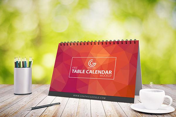 Free-Table-Calendar-Mockup