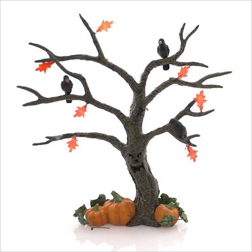 Halloween-Spooky-Tree-outdoor-Decor