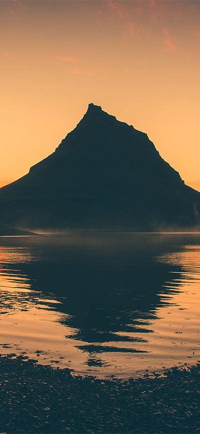 Sunset_Reflection_iPhone-XR-Wallpaper
