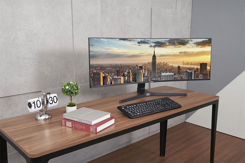 Samsung-Thunderbolt-3-QLED-Curved-Monitor-New-02