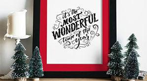 Free-Photo-Frame-Mockup-PSD-for-Christmas-Related-Artworks-2