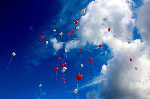 Balloon-in-the-Air-Wallpaper