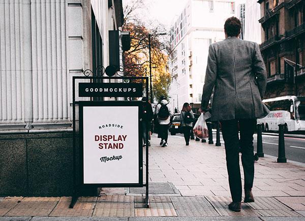 Free-Roadside-Display-Stand-Mockup-PSD