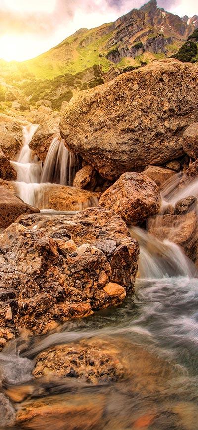waterfalls_in_california_iPhone-X-Wallpaper