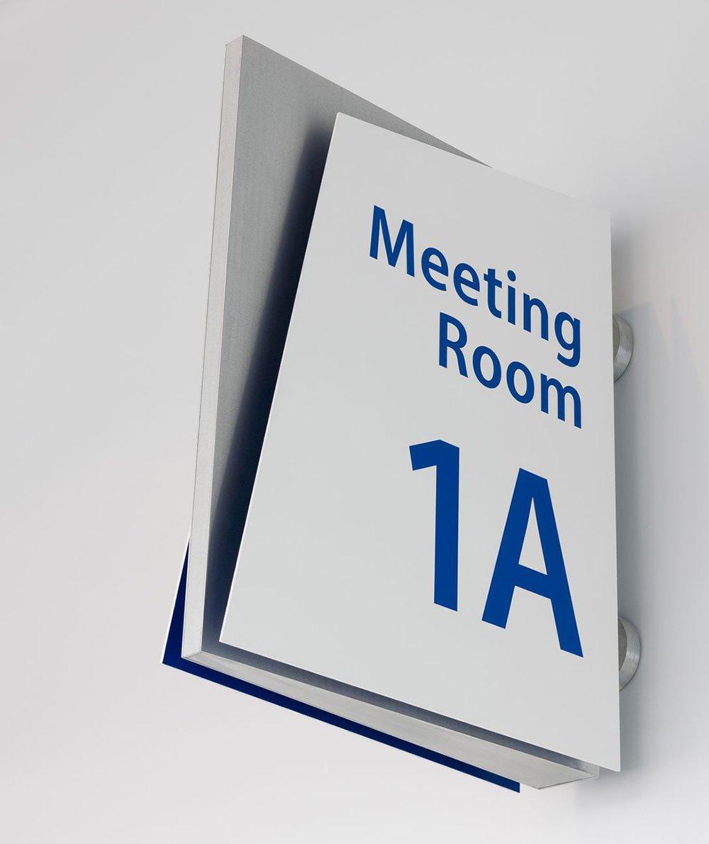 20 Outdoor / Indoor Creative Sign Design Ideas For ...