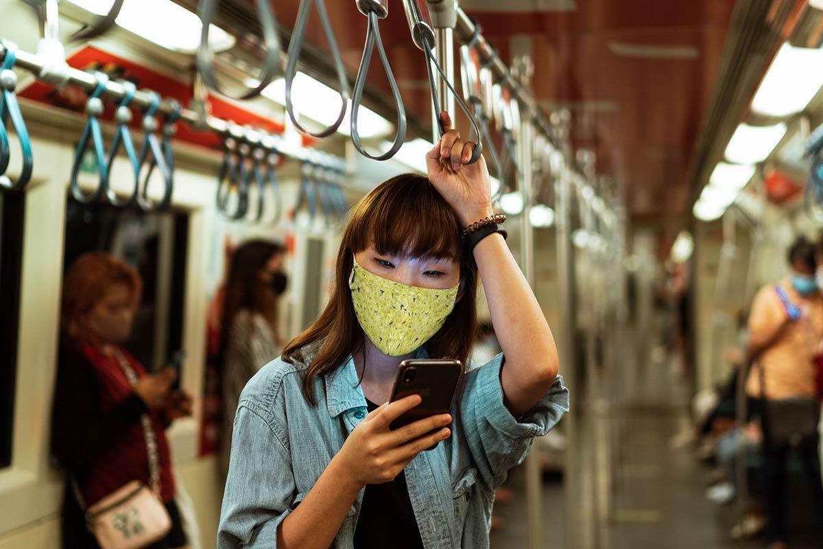 Cloth-Mask-Mockup-PSD