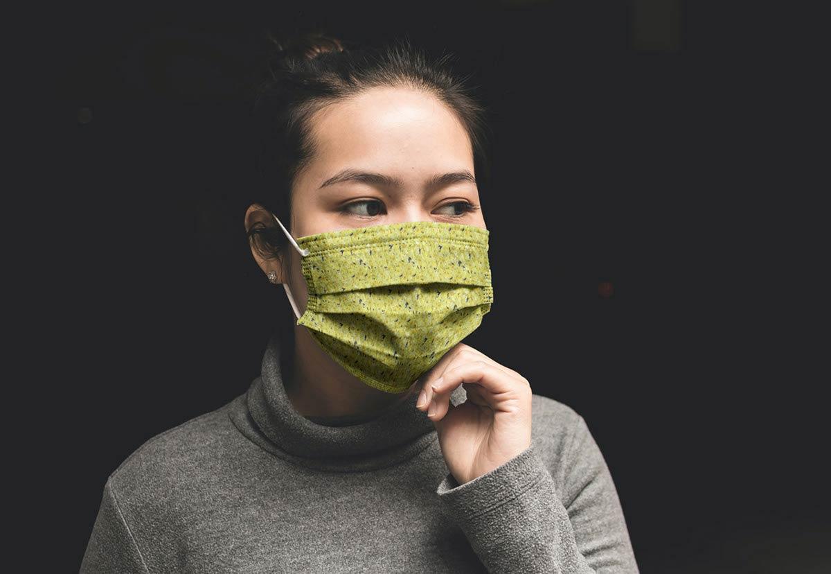 Free-Facemask-Mockup-PSD