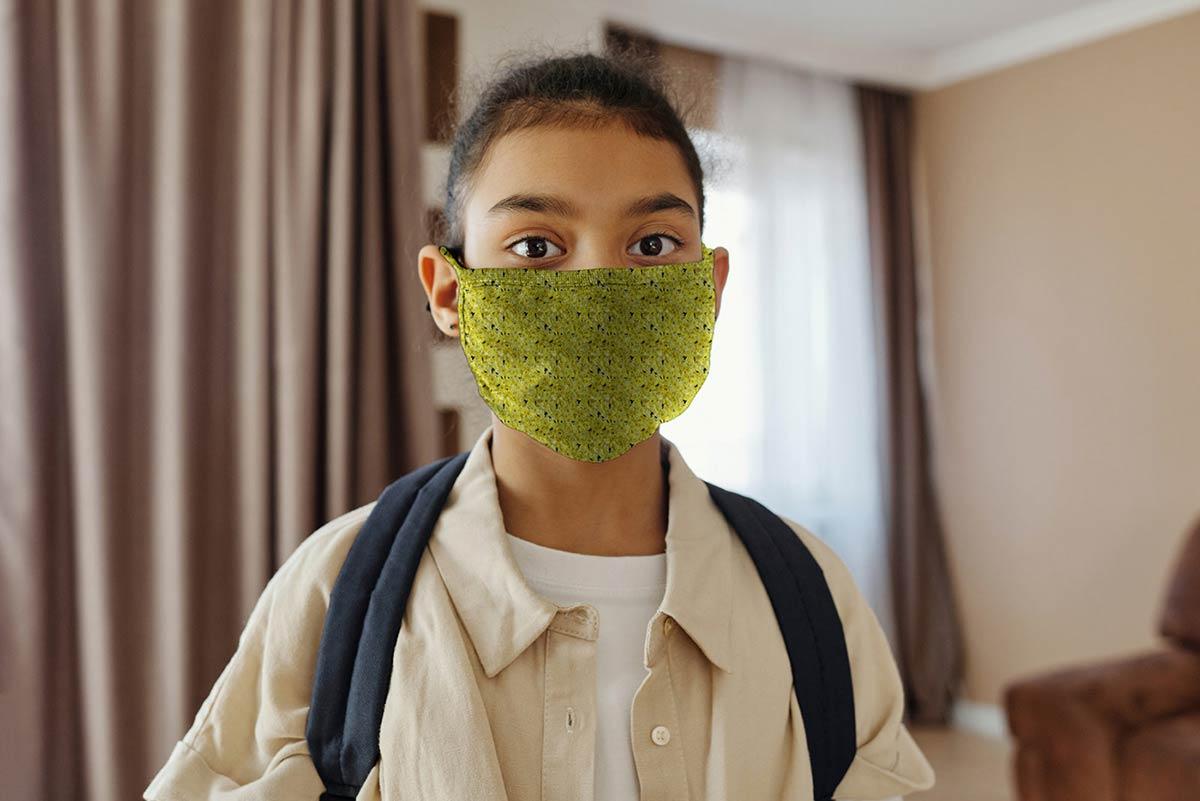 Little-Girl-Wearing-a-Face-Mask